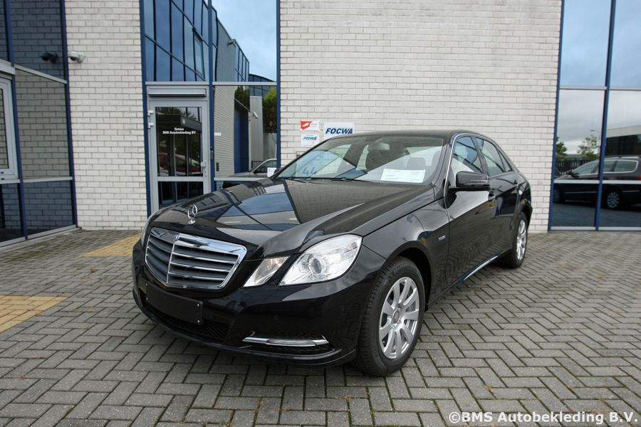 Mercedes Benz E Klasse Sedan 2011 Zwart Met Buterscotch